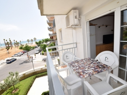 APARTMENT WITH SEA VIEWS AND POOL IN BEACH LA PINEDA